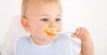 Обучение ребенка кушать ложкой