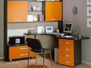 Письменный стол для мальчиков