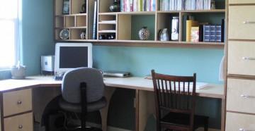 Угловой письменный стол для школьников