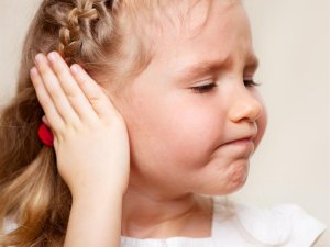 Опасность травмирования ушей во время игры