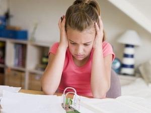 Стресс как причина того, что ребенок грызет ногти