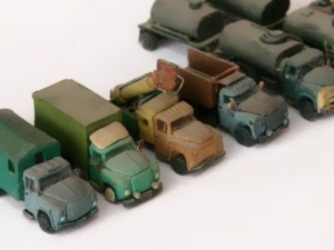 Военные грузовики из пластилина