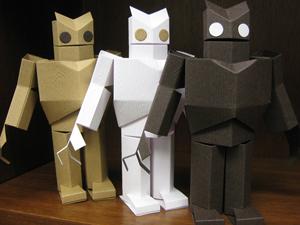 Разноцветные роботы из бумаги