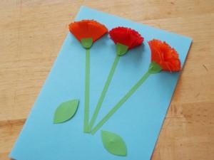 Изготовление объемных гвоздик для открытки на 9 мая