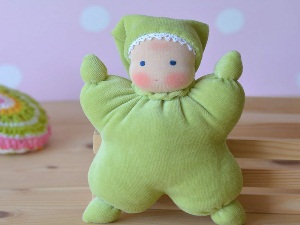 Вальдорфская кукла-бабочка