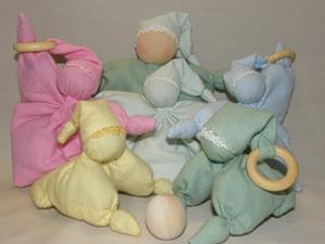 Многообразие форм вальдорфской куклы для младенца