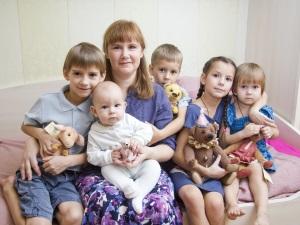 Обеспечение молочной кухней многодетной семьи