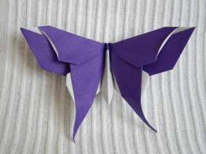Двухслойная бабочка в технике оригами