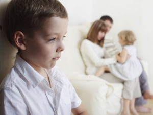 Недостаток внимания к старшему ребенку