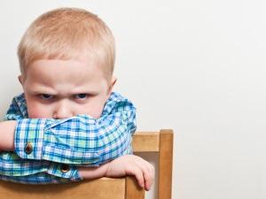 Недостаток внимания - причина плача у ребенка