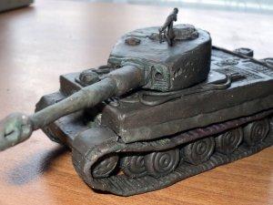 Танк Тигр из пластилина
