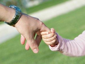 Совпадение процедуры развода при наличии родных и усыновленных детей